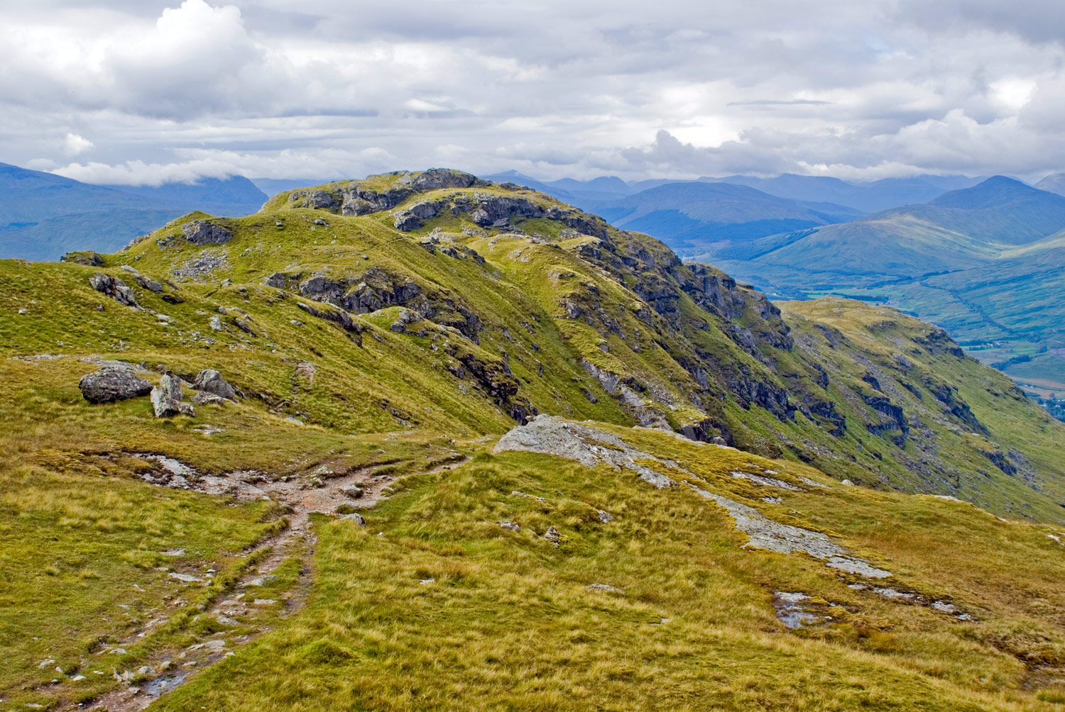 Looking back to Meall Dhamh (814m).